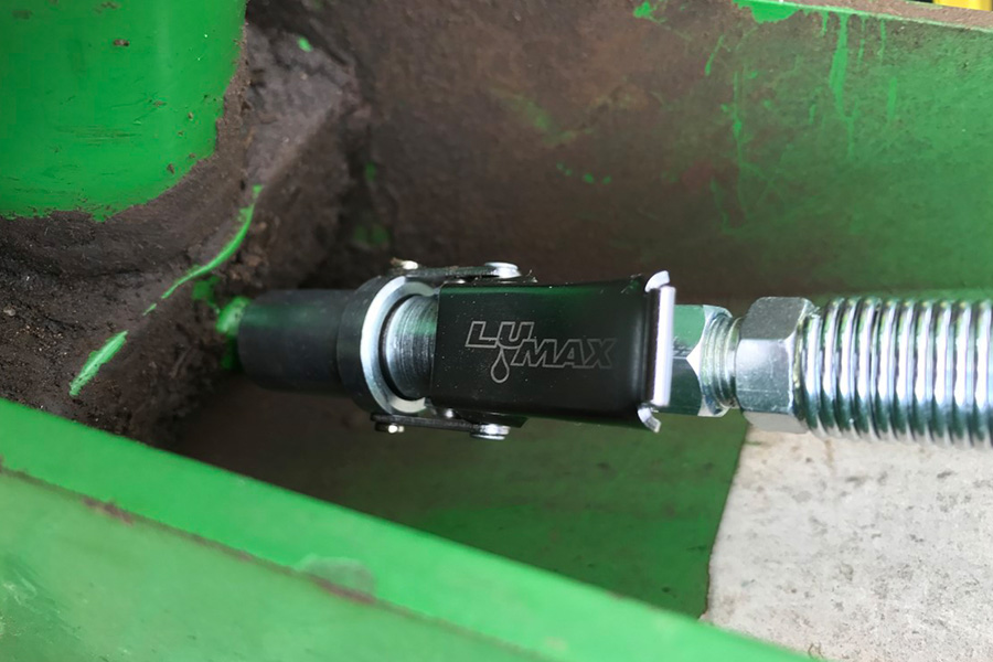 LuMax XL Heavy-Duty Quick-Release, Grease Coupler